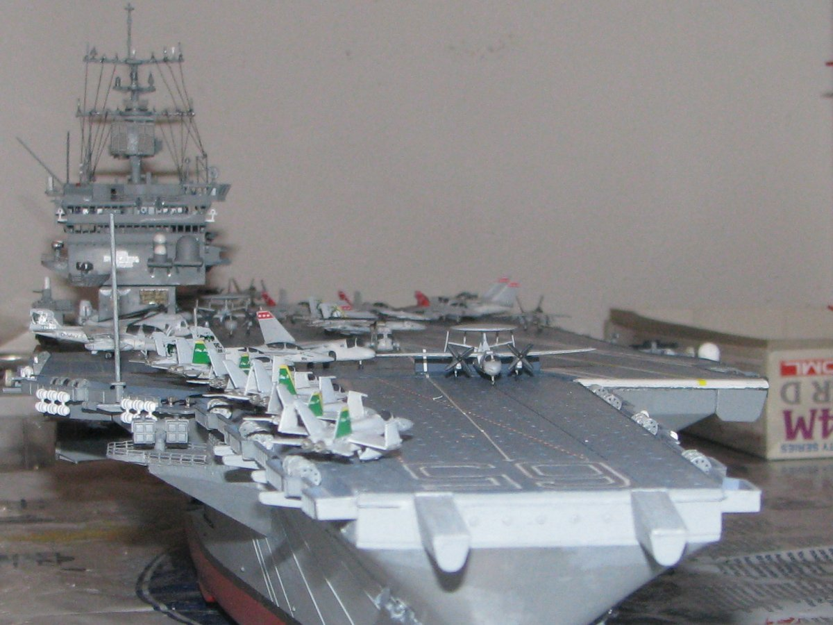 1//350 Scale US Navy Nimitz Class Aircraft carrier Warning tag Model Water Decal