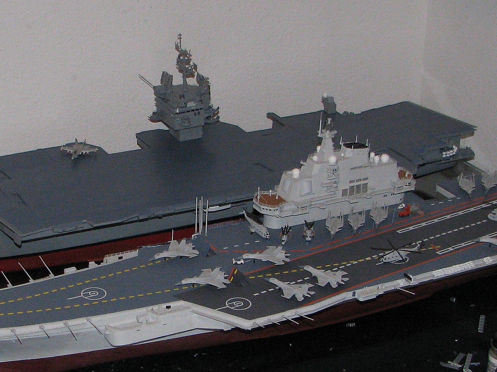 Aircraft carrier models large scale - Now That Is What I M Tlking About