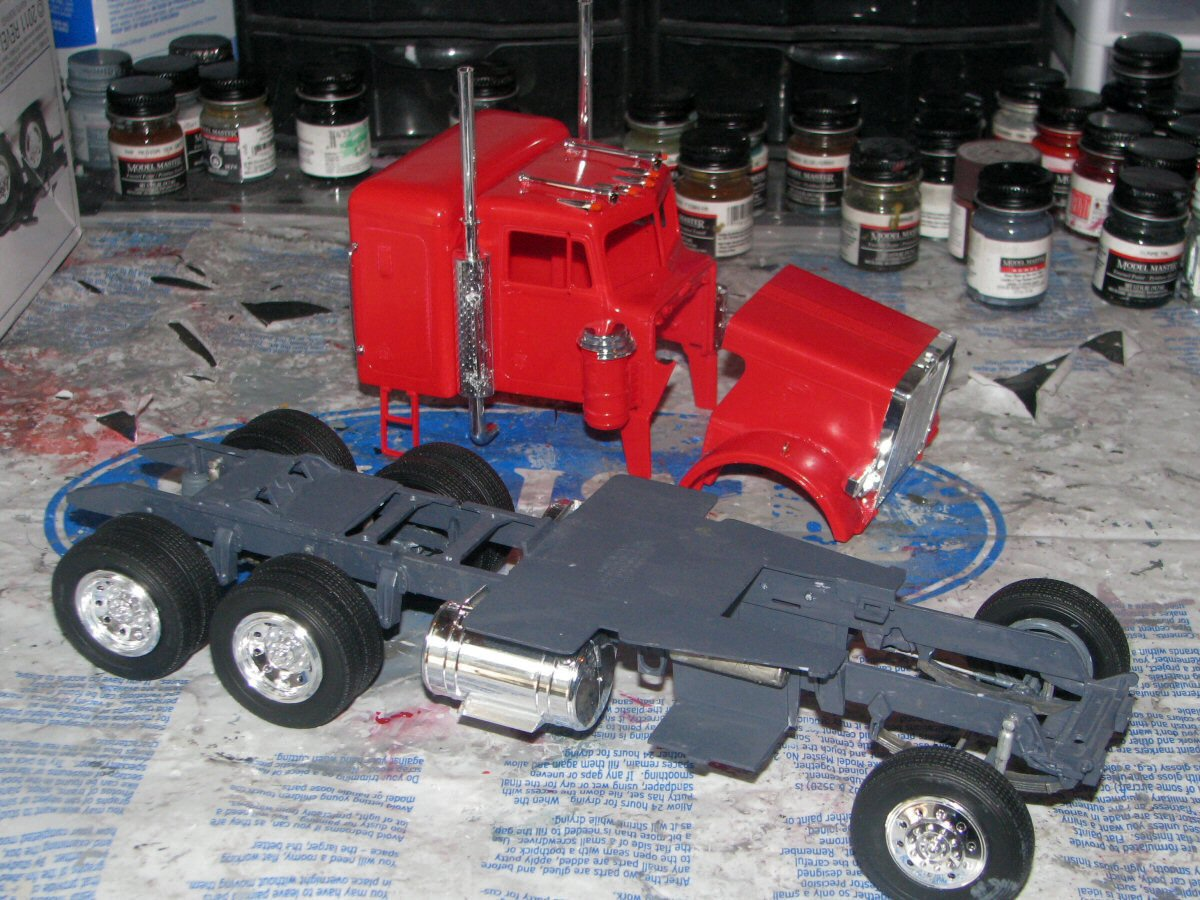 Jeffhead revell kit 85 1506 125 scale peterbilt 359 review shes looking prety good next session i will uild the engine the cab and add the details publicscrutiny Images