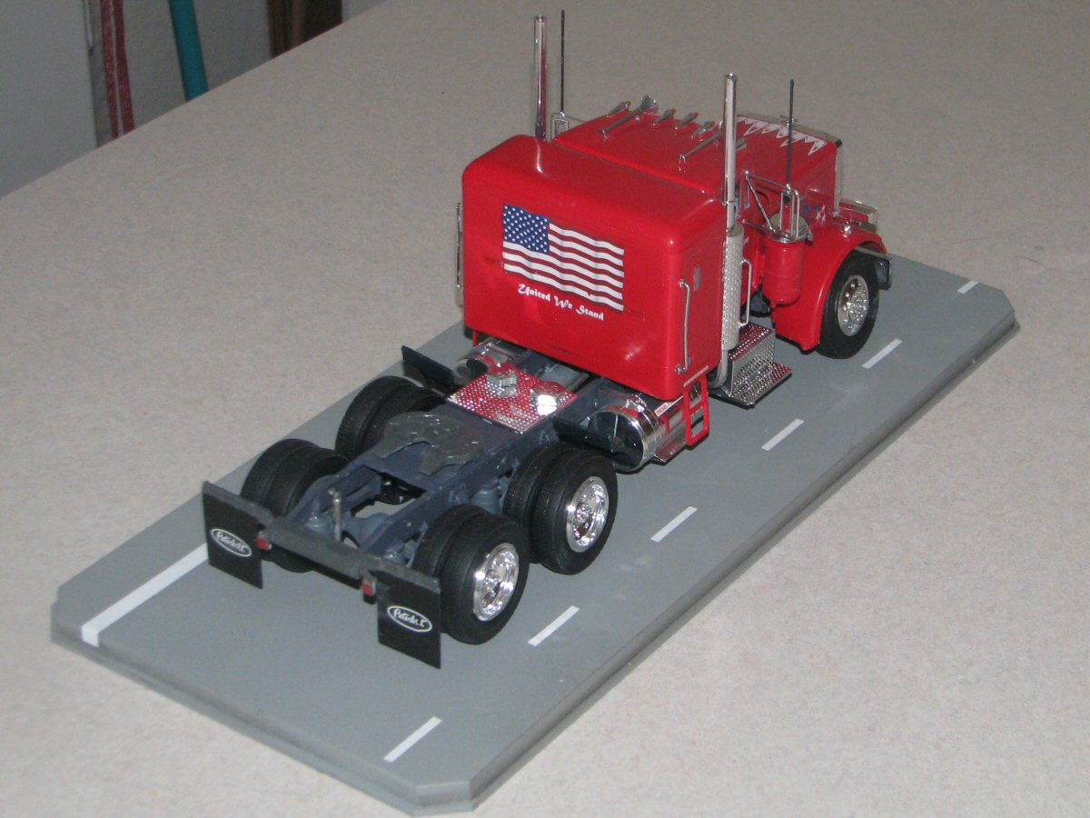 Jeffhead revell kit 85 1506 125 scale peterbilt 359 review i added all of the deacs and then used 2 10 bolts washers and nuts to attache the truck to the base looking very good at the end i aded the clear publicscrutiny Images